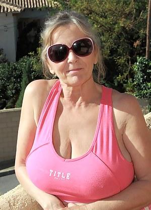 Big Tits T-Shirt Porn Pictures
