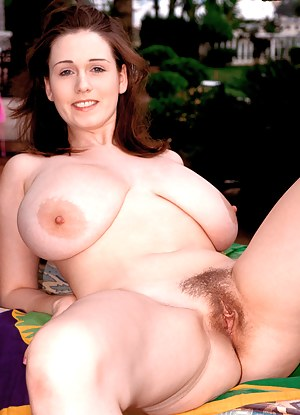 Big Tits and Pussy Porn Pictures